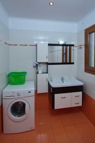 room 8 dimitris pension bathroom