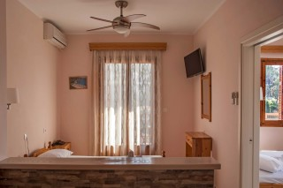 room 8 dimitris pension facilities
