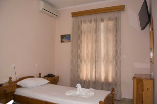 room 8 dimitris pension room
