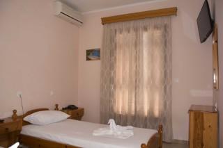 room 8 dimitris pension room