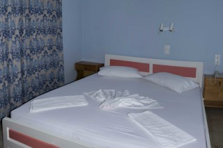 studio dimitris pension cozy bed